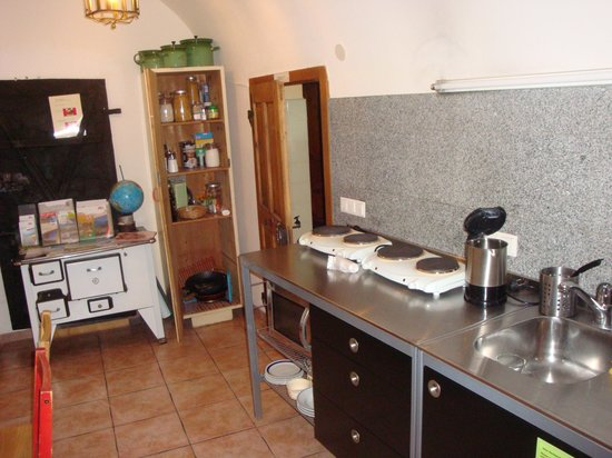 Nepomuks B&B Backpackers Hostel Innsbruck: kitchen