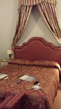 """Antica Dimora alla Rocca : Il """"lettino"""" della nostra camera^_^"""