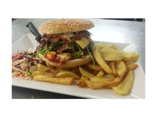 L'Ancyvier : hamburger frites maison