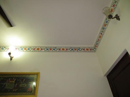 Hotel Vimal Heritage: Ceiling border