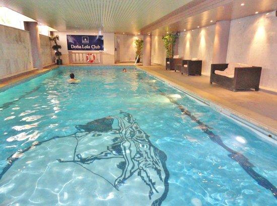 The Dona Lola Club : La piscine couverte autorisée aux enfants Novembre