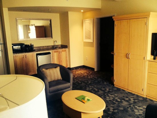Courtyard Sandestin at Grand Boulevard: King Suite is nice!