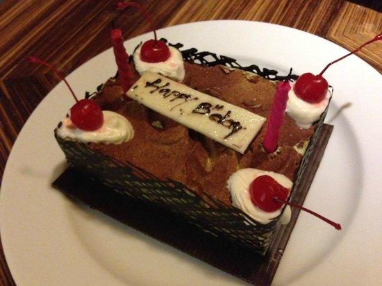 Pullman Bali Legian Nirwana: Complimentary Birthday Cake