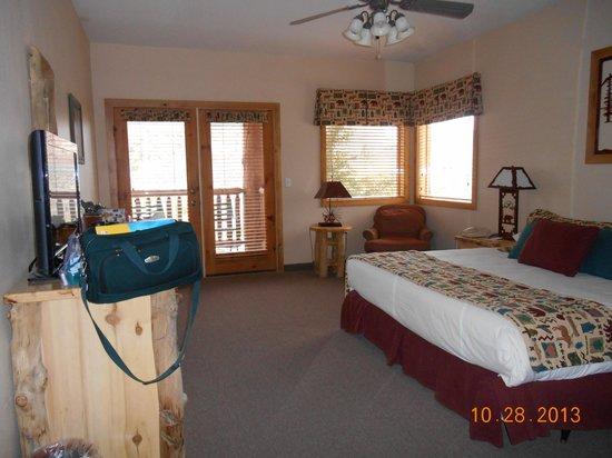 Majestic View Lodge: Corner room