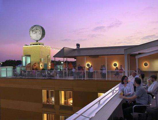 Moonrise Hotel : Rooftop