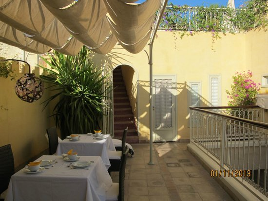 Riad Cocoon: the roof terrace