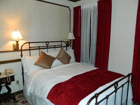 Mizpah Hotel Rooms