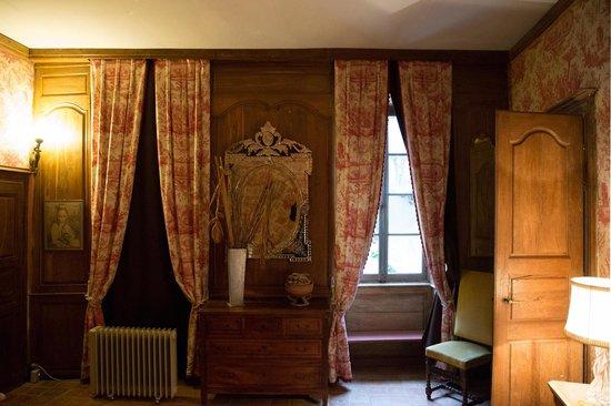 Le Logis Abbatial : Groundfloor Bedroom