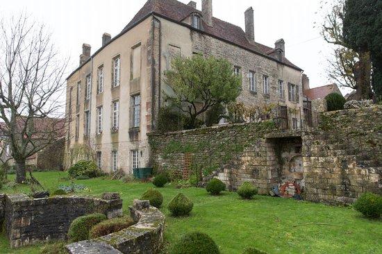 Le Logis Abbatial : Exterior view