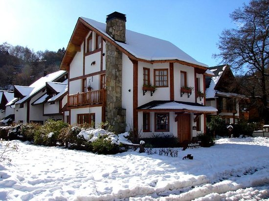 Cabañas Arco Iris: Cabins in winter