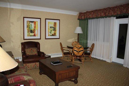 Fairmont Jasper Park Lodge: Living Room