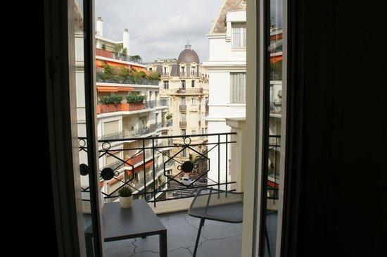 Mercure Nice Centre Grimaldi: Vista do quarto