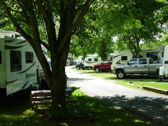 Staunton / Walnut Hills KOA: Large shady sites