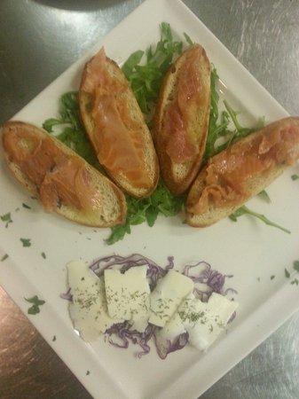 Renee Centamore: Crostoni salmone scozzese