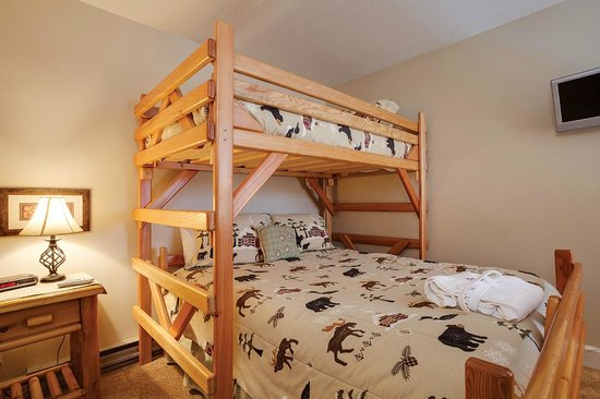 Timber Run Condominiums: Bedroom