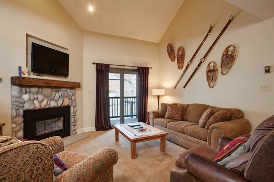 Timber Run Condominiums: Living Area