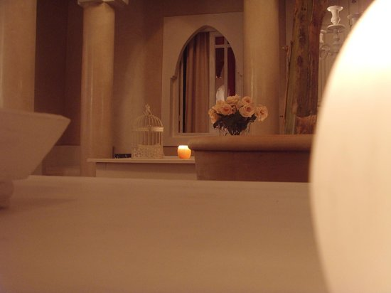 Riad les Orangers d'Alilia Marrakech: Dans le salon  (Annexe les Orangers d'Alilia)
