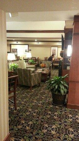 Staybridge Suites Davenport : Dining / Lounge area