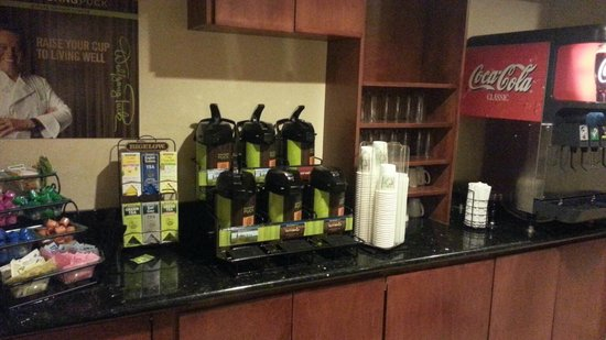 Staybridge Suites Davenport: Coffee Bar