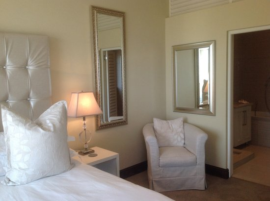 Villa Paradisa Guest House Knysna Hotels From C 204 Kayak