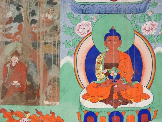 Alchi Choskor Monastery: Contraste