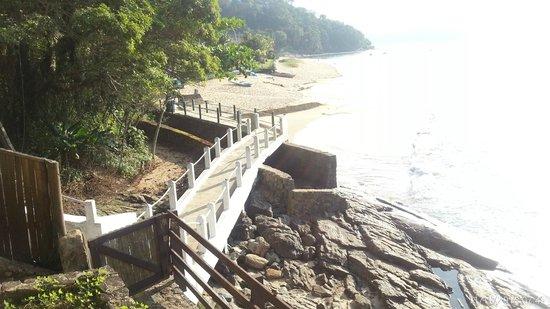 Pousada Feitiço Caiçara: Acesso à praia vista da sacado do quarto 14