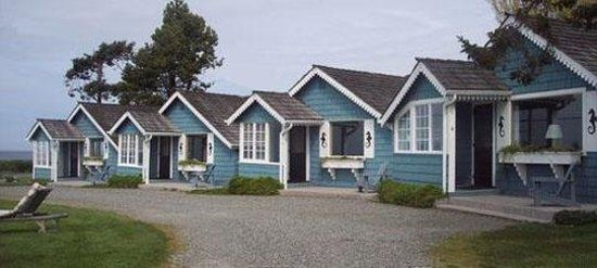 Juan de Fuca Cottages: Exterior View