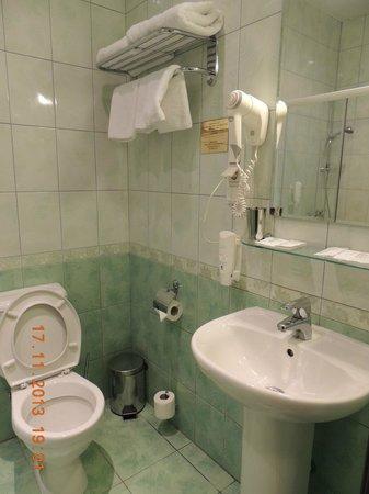 M-Hotel: ванная комната