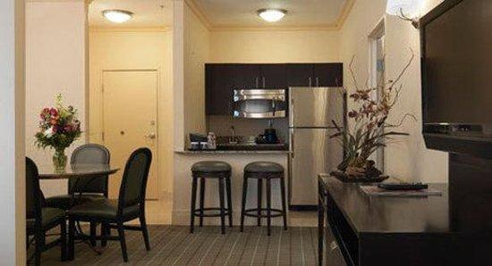 DoubleTree by Hilton Hotel Dallas - Love Field : Dalap ASuite