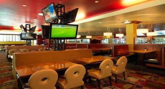 DoubleTree by Hilton Hotel Dallas - Love Field : Restaurant