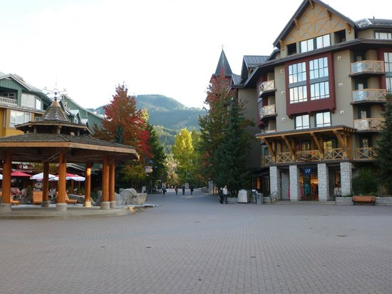Pinnacle Hotel Whistler: Whistler Village Stroll, literally a minute or two away