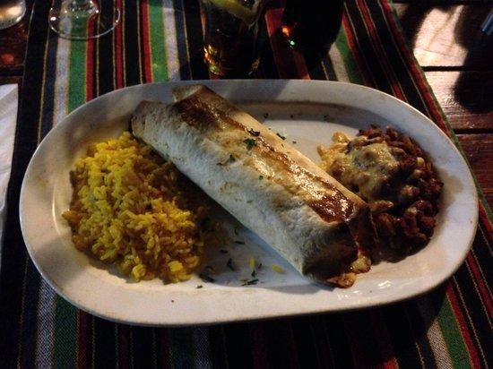 La Cantina Mejicana: Burrito con riso e fagioli accompagnato da 3 salse
