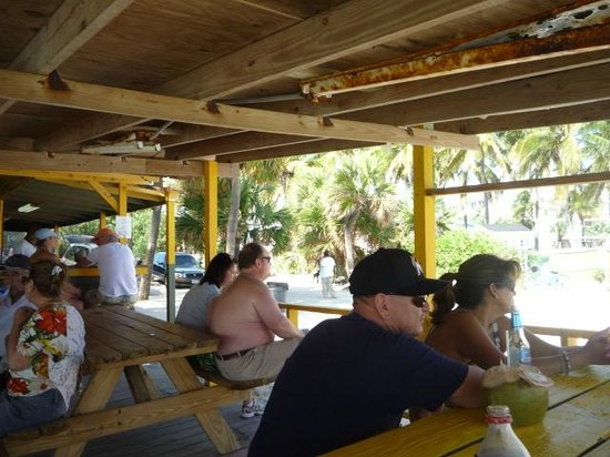 Billy Joe's On the Beach: Inside