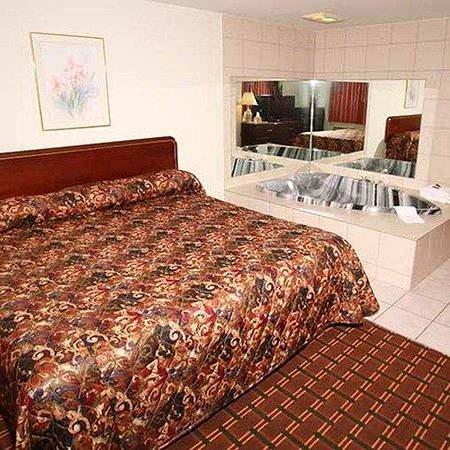 Budget Inn Cicero: Budget Inn Syracuse Airport Cicero Room