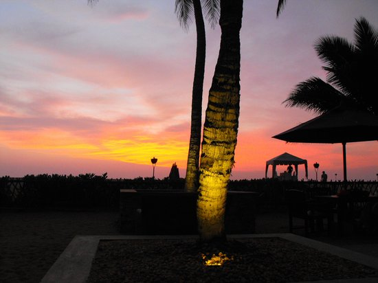 AVANI Kalutara Resort: sunset