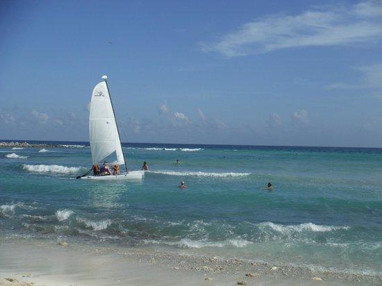 Catalonia Yucatan Beach: Gorgeous Sea