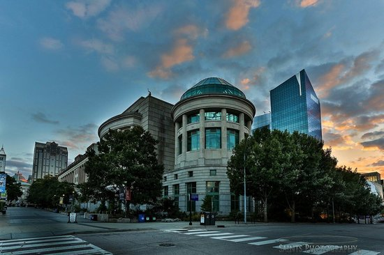 North Carolina Museum of Natural Sciences: Beautiful city, shot on my visit from hawaii.