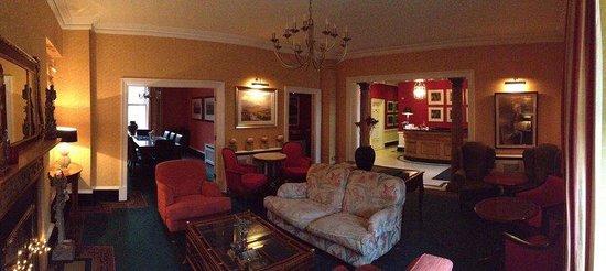 Pembroke Townhouse: Lobby