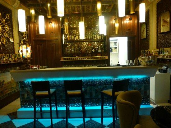 BELA VISTA Hotel & SPA: The elegant cocktail bar