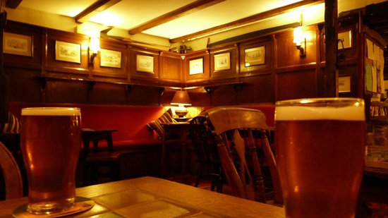 Pheasant Inn Restaurant: Cosy Bar area