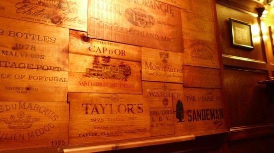 Pheasant Inn Restaurant: Bar