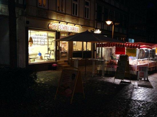 Café Dornemann: Sfeervol aan de buitenkant eind november