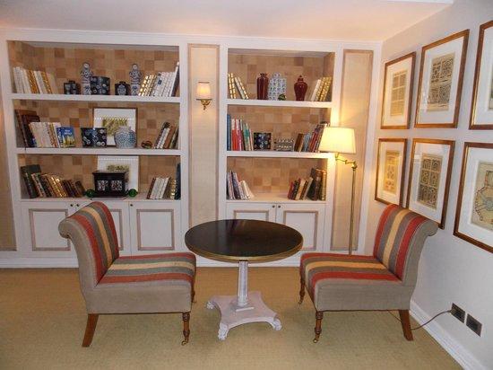 Le Reve Hotel Boutique: Sala de estar
