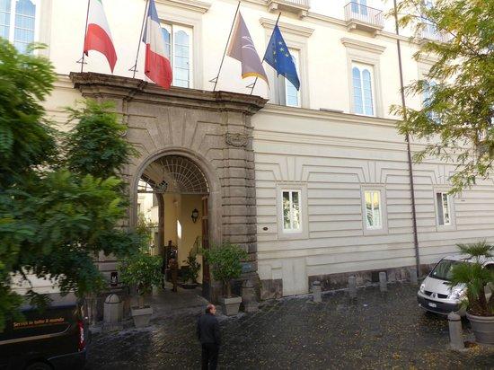 Palazzo Caracciolo Napoli MGallery by Sofitel: Front of Hotel in Via Carbonara