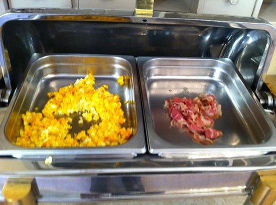 Matilde di Canossa : Uova col bacon, secondo la cucina dell'hotel