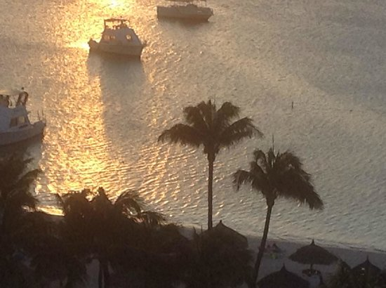 Hyatt Regency Aruba Resort and Casino: sunsets were beautiful