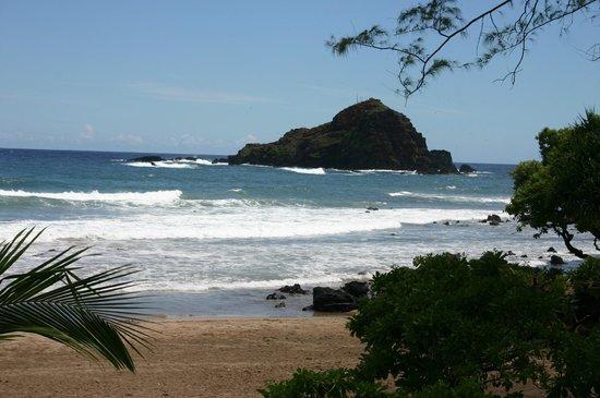 Hana Highway - Road to Hana: Sandy beach