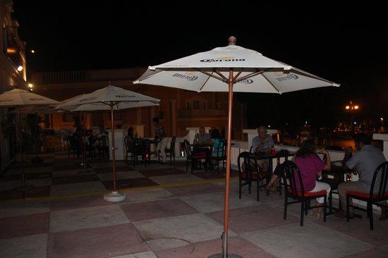 Bravo Tapas : Rooftop Dining