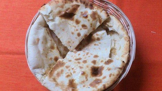 A Taste Of India Shazna: Pan Nan Peshwari Con almendra coco miel y frutos secos | Peshwari Nan Nan bread with mixe