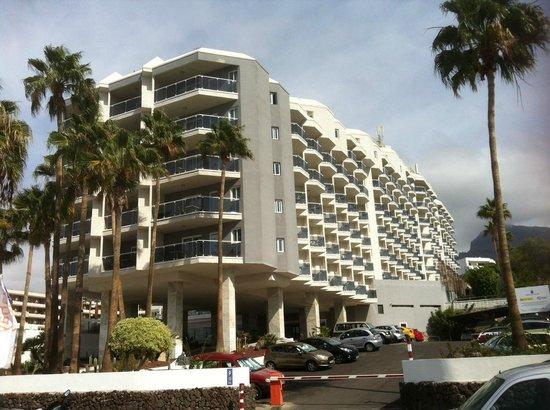 HOVIMA Costa Adeje : Hotelanlage, Ansicht von der Strasse
